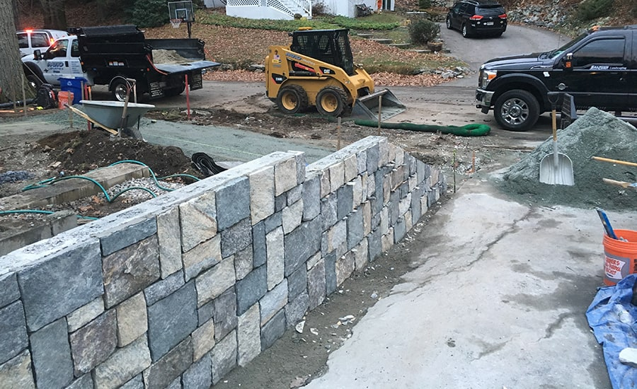 Hardscaping Retaining Wall